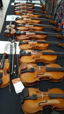 many violins 2