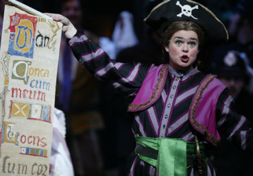 Kathryn Cowdrick as Ruth in The Pirates of Penzance photo